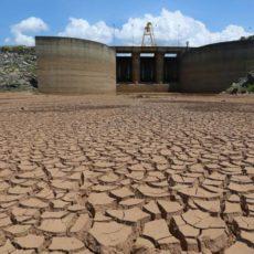 Consumo de volume morto de reservatórios X qualidade da água consumida